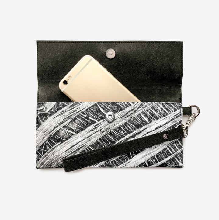 Cover Up clutch